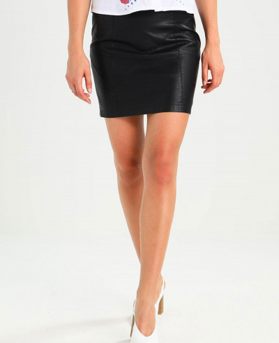 All-Black-Curve-Pencil-Skirt-in-Leather-Look