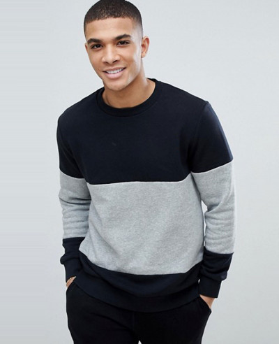Chuck-Patch-Crew-Neck-Sweatshirt-In-Black