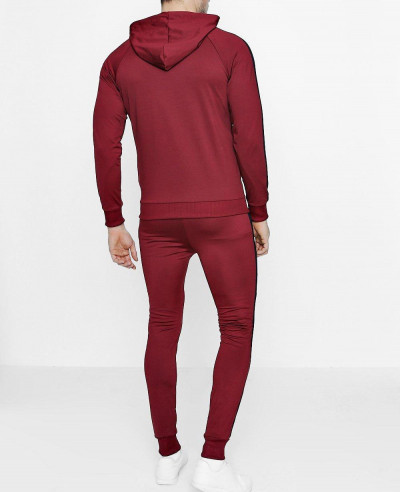 Skinny-Fit-Man-Tracksuit-With-Side-Panels