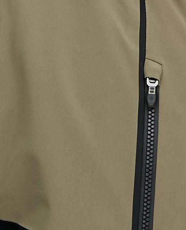 Blur-Ski-in-Green-Black-Softshell-Jacket