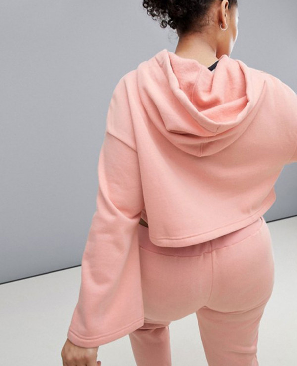 Hot-Selling-Long-Sleeve-Hooded-In-Blush-Crop-Top