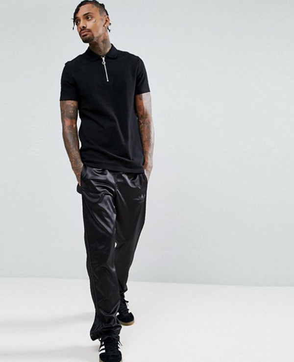 Pique-Polo-With-Zipper-Neck-In-Black