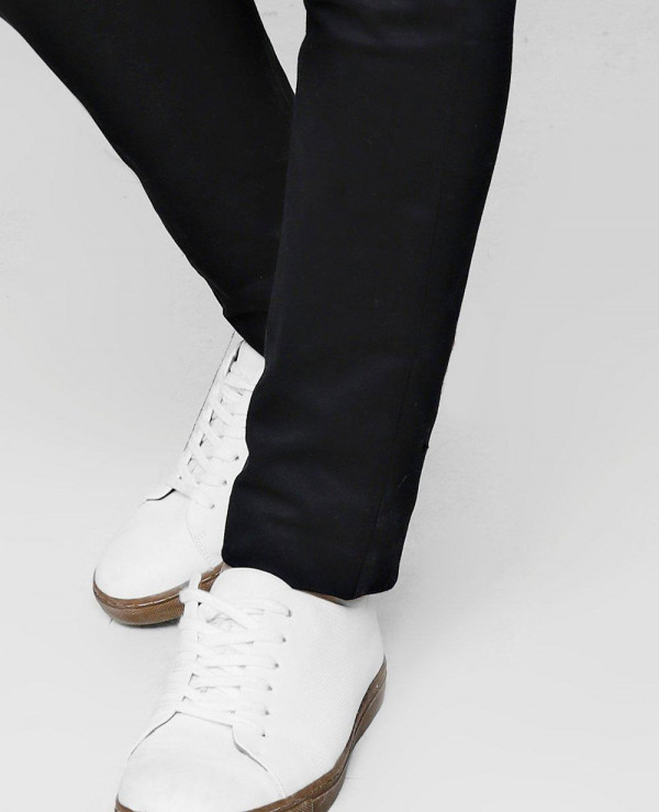 Slim-Fit-Chino-With-Stretch