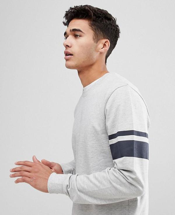 Sweatshirt-With-Arm-Stripe