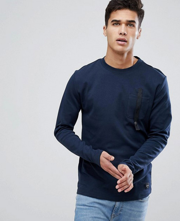 Sweatshirt-With-Pocket-Branding