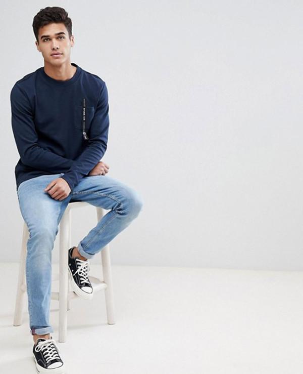Sweatshirt-With-Pocket-Branding